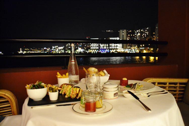 Dîner romantique avec vue sur Monaco