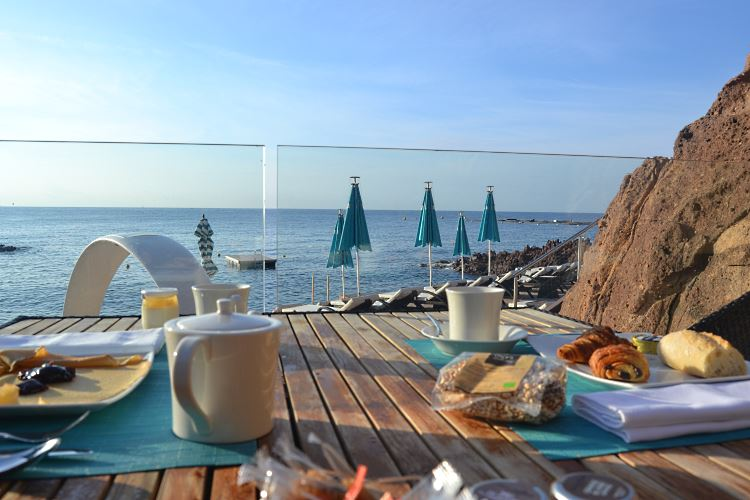 Outstanding sea view breakfast