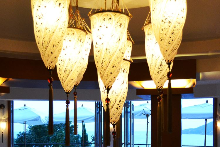 Tiara Yaktsa - L'Or Bleu restaurant - Cannes