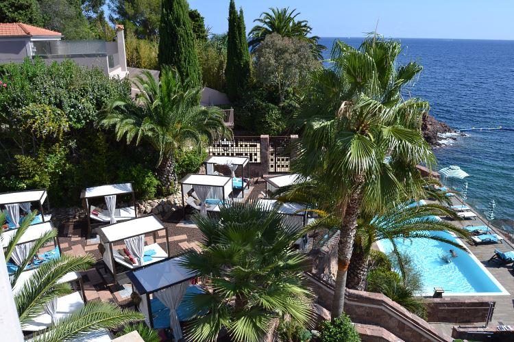 Tiara Miramar pool and daybeds garden