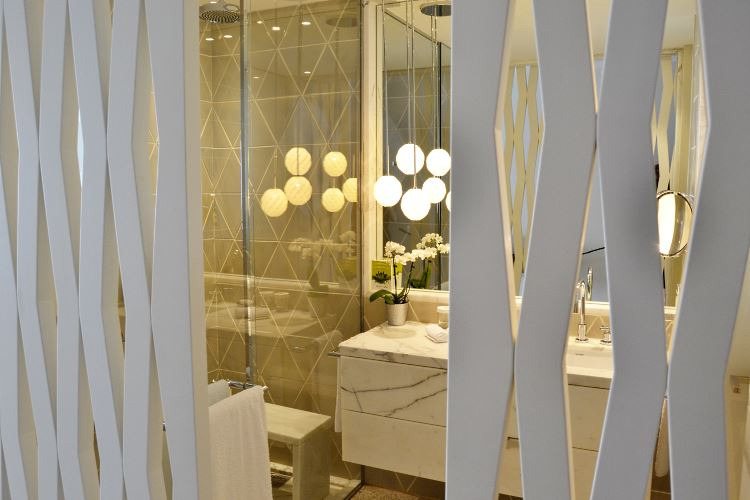 Salle de bain au Monte-Carlo Beach