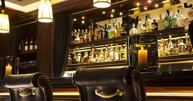 Le bar de l'hôtel Le Belmont à Paris