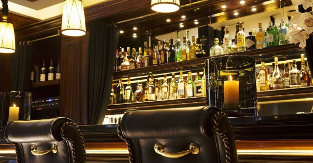 Bar of Le Belmont hotel in Paris