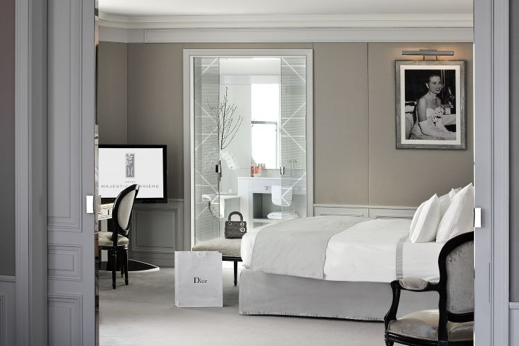 Dior Suite bedroom