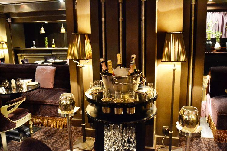 Le First restaurant boudoir at the Westin Paris - Vendôme