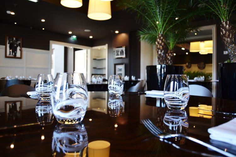 Le H, restaurant du Renaissance Paris Saint Cloud