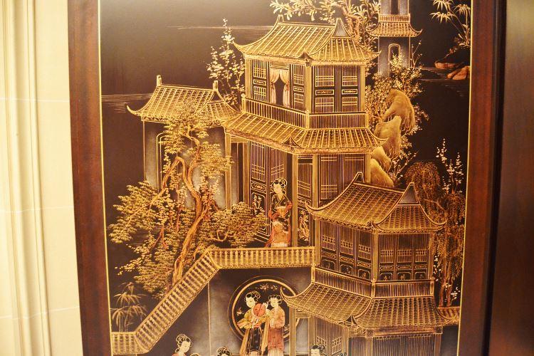 Shang Palace at the Shangri-La Paris entrance