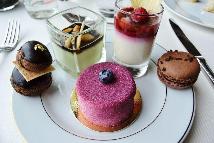 Sélection de desserts - Tiara Mont Royal Chantilly