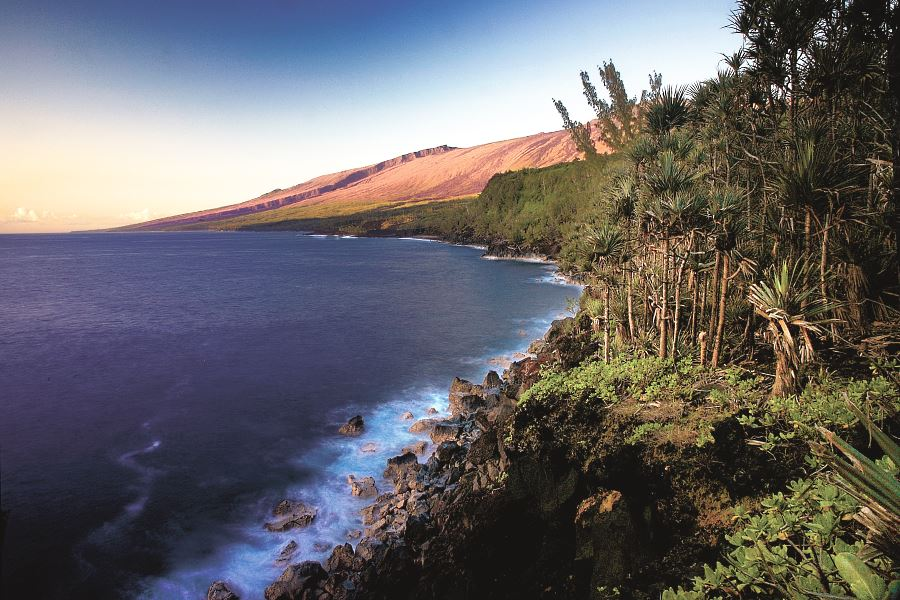 Wild coastline of the Réunion island