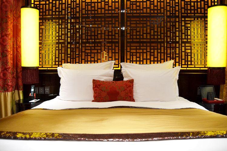 Le lit du Buddha Bar hôtel à Paris