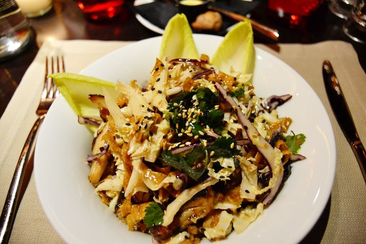 La fameuse salade Buddha Bar au poulet