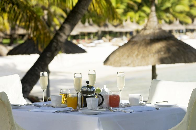 Mauritius beach restaurant One Only Le Saint Geran