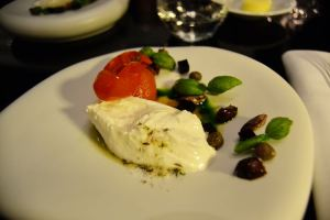 Burrata from Puglia with preserved tomatoes