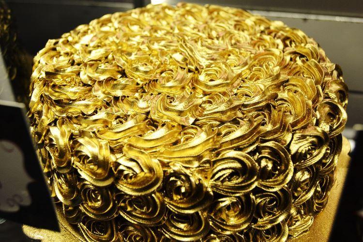 Gold cake Dubai