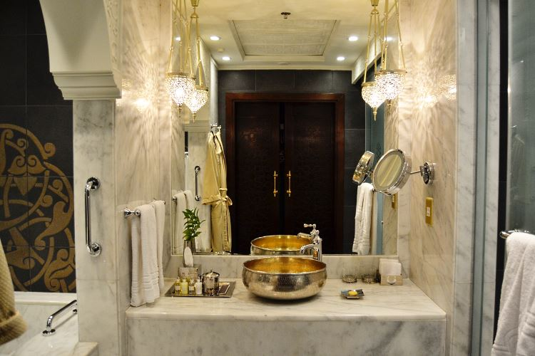 Jumeirah Zabeel Saray Dubai bathroom