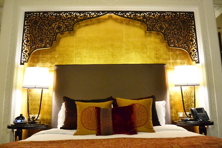 Zabeel Saray Dubai bed Suite