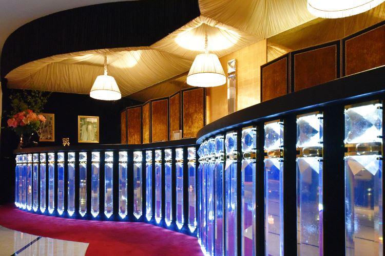 Lobby desk Fouquet's Barrière hotel
