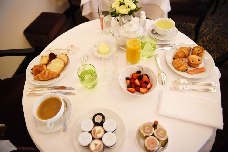 Breakfast luxury hotel Paris