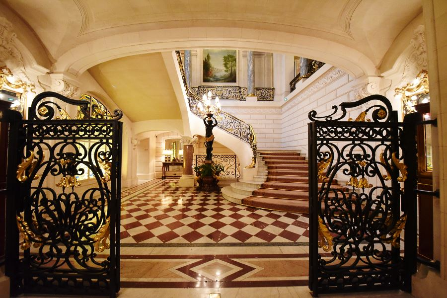 Shangri La Paris historic stairs