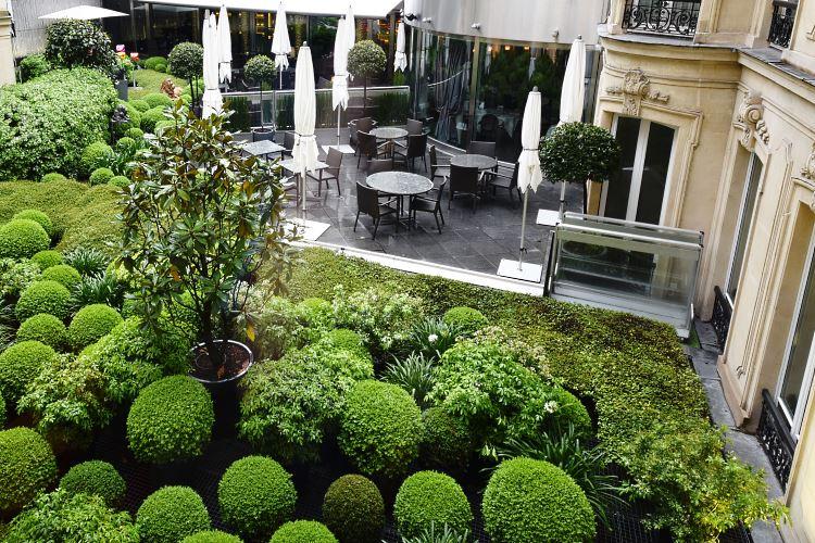 Barrière Le Fouquet\'s Paris - Executive Champs Elysées Room - Hotel ...