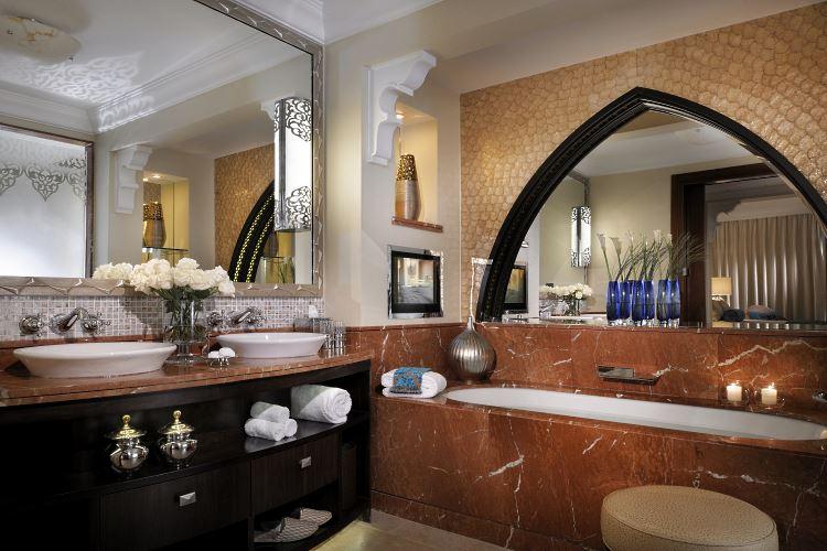 The Palace Superior Executive Suite Bathrom Royal Mirage Dubai