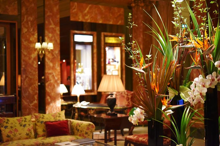 Westminster Paris Hotel lobby