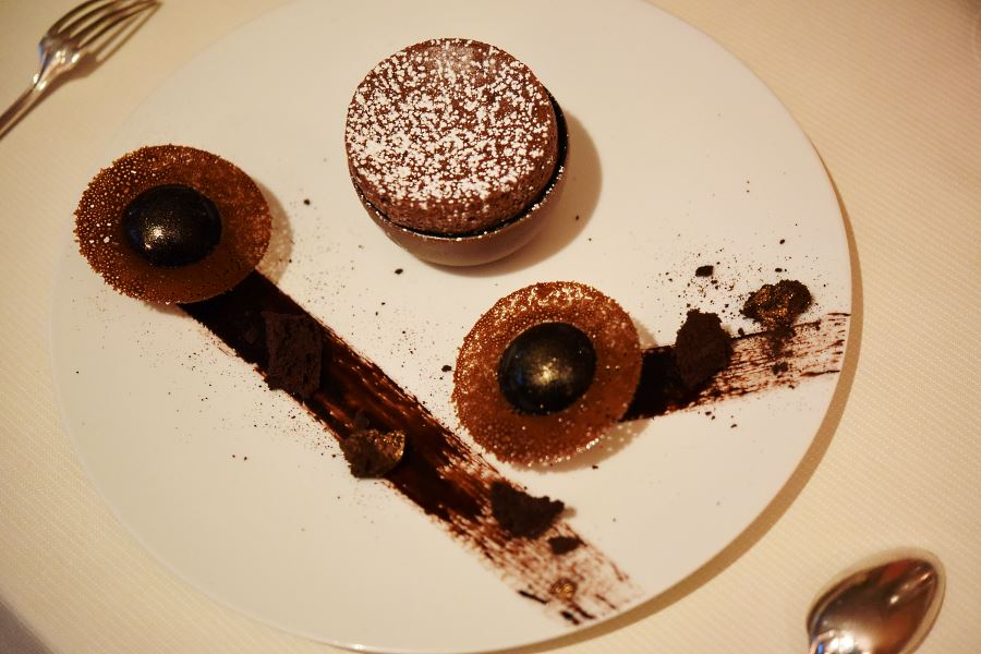 Chocolate Guanaja dessert - Le Céladon Paris