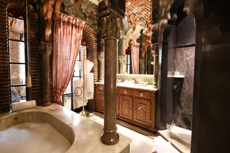 La Sultana Marrakesh bathroom