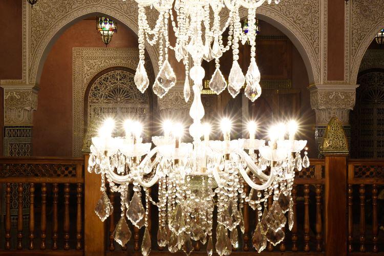 Crystal chandelier riad