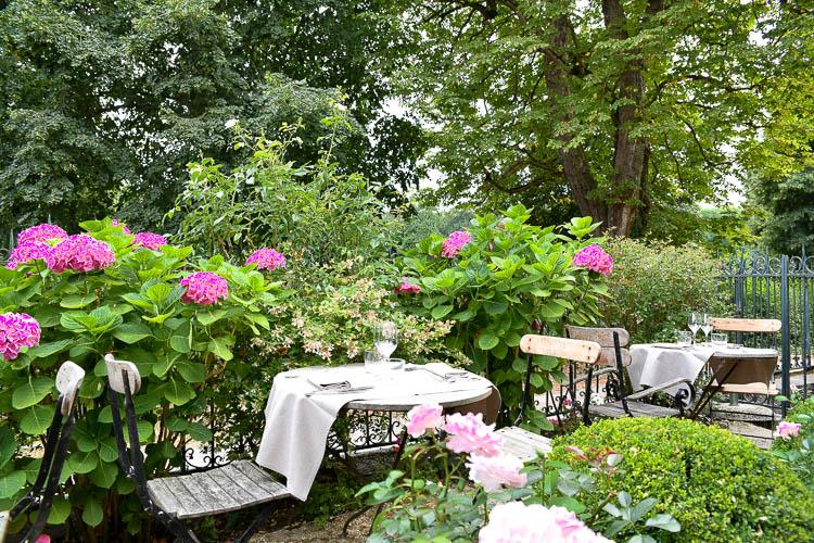 Les Etangs de Corot garden