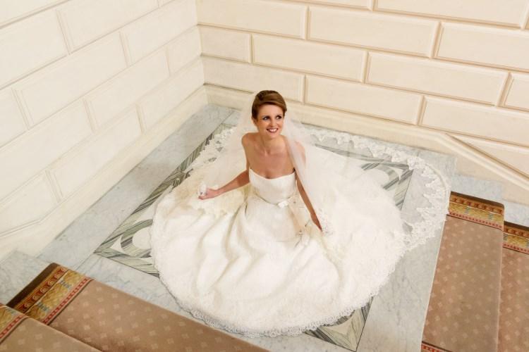 Fine laced wedding dress