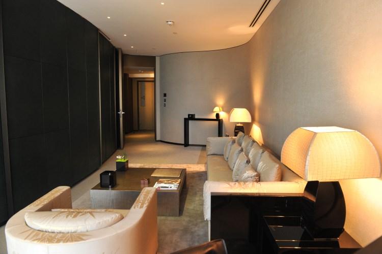 Armani Hotel Dubai - Classic Room living room