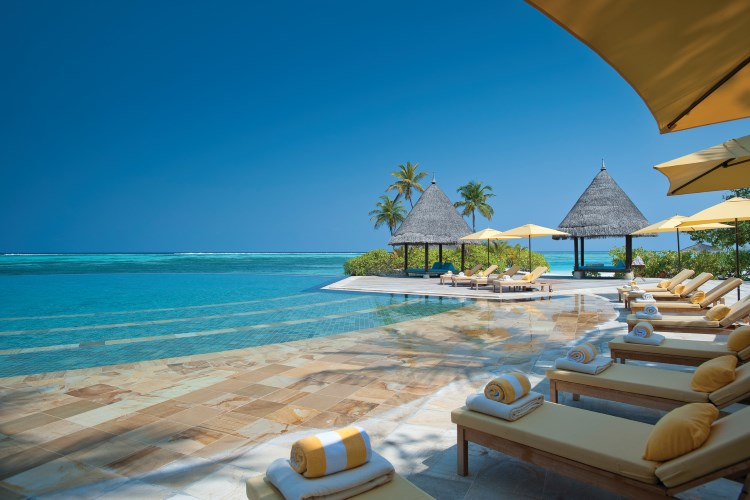 Four Seasons Kuda Huraa - Infinity pool