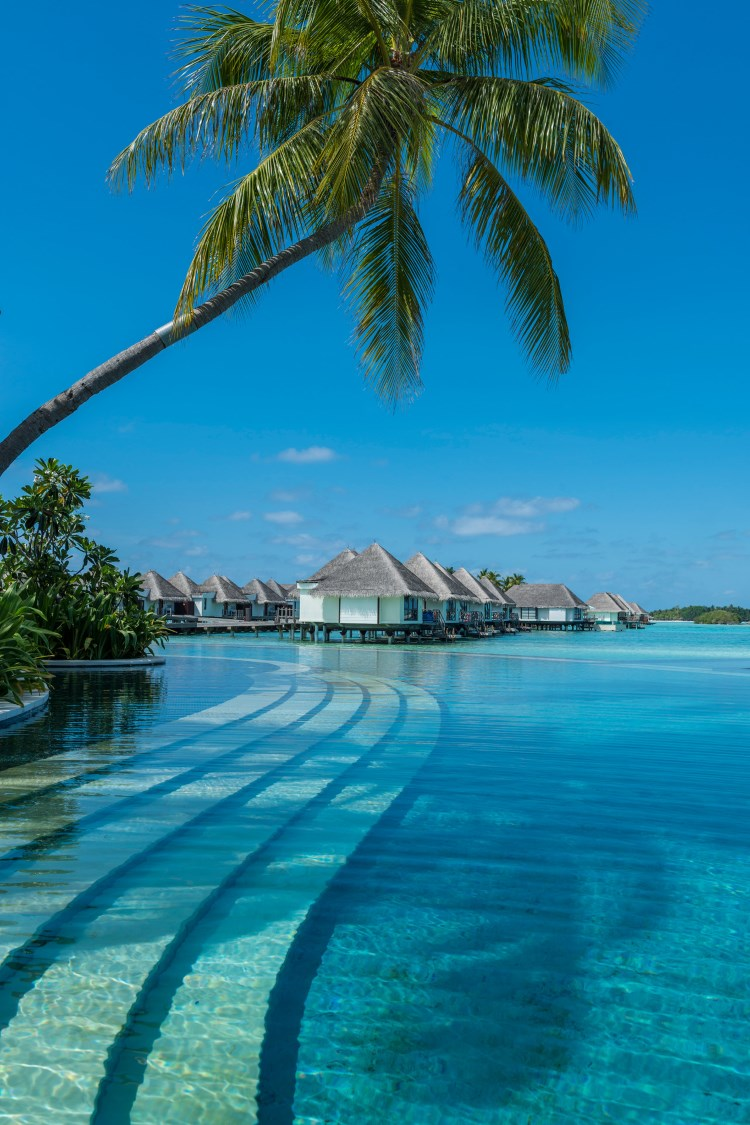 Four Seasons Kuda Huraa - Pool