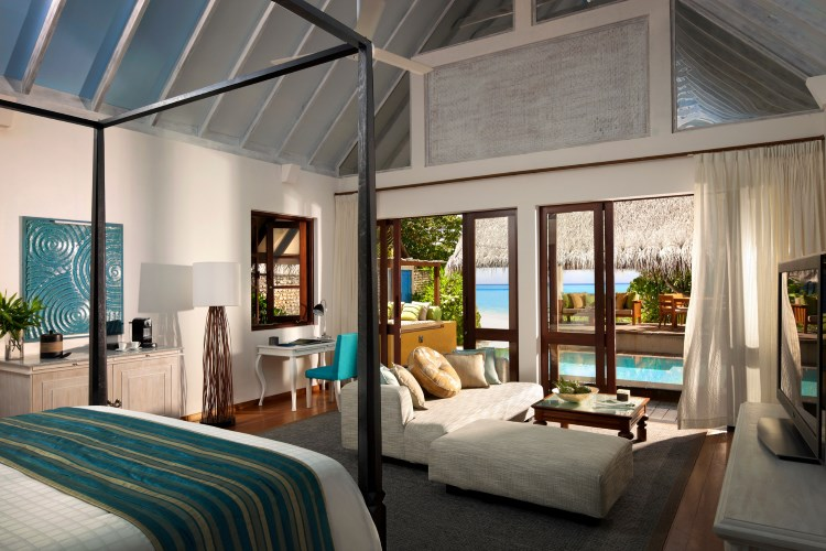 Four Seasons Landaa Giraavaru - Beach bungalow with pool