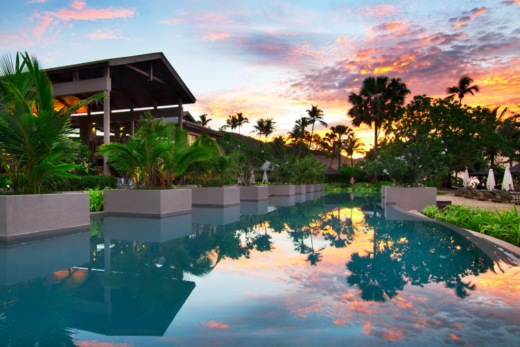 Kempinski Seychelles - Pool Sunset
