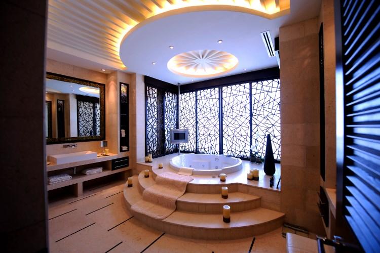Raffles Dubaï - Salle de bains de la Suite Présidentielle - Terre