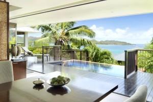 Salle à manger de la villa vue océan