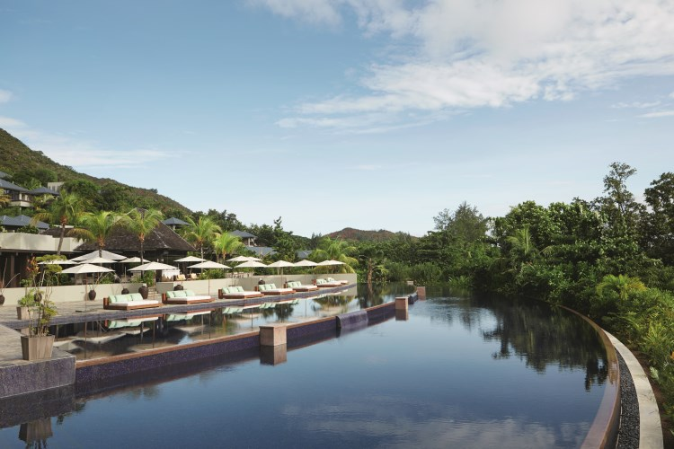 Raffles Praslin - Swimming Pool