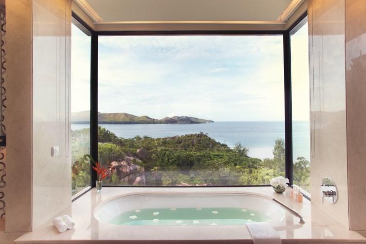 Raffles Praslin - Villa Bathtub
