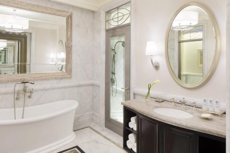 St Regis Dubai - Deluxe Room - Bathroom