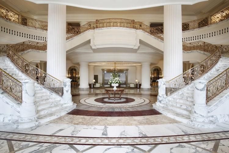 St Regis Dubai - Lobby Grand Staircase