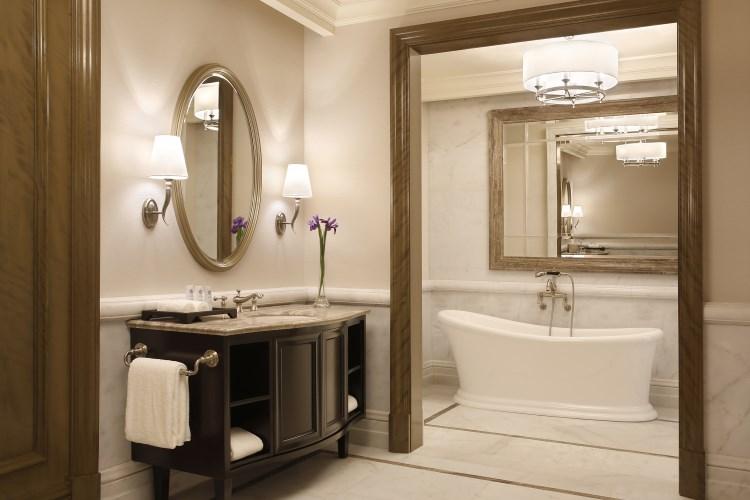 St Regis Dubai - Suite bathroom