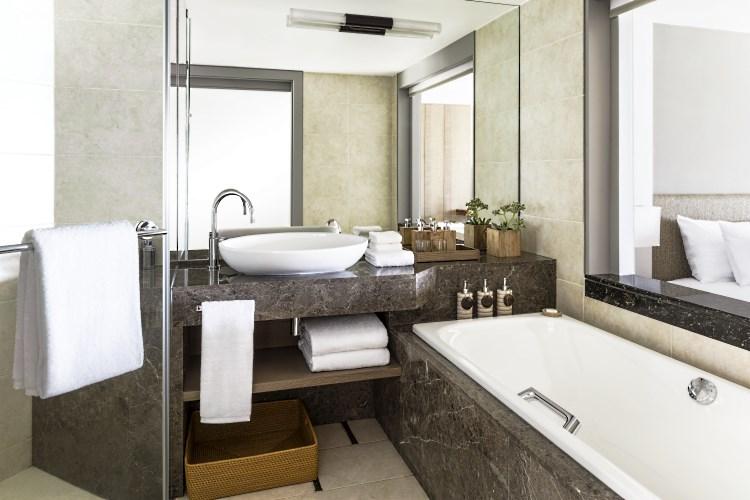 Shangri-La Maurice - Chambre Deluxe avec vue Océan - Salle de bains - Aîle Coral