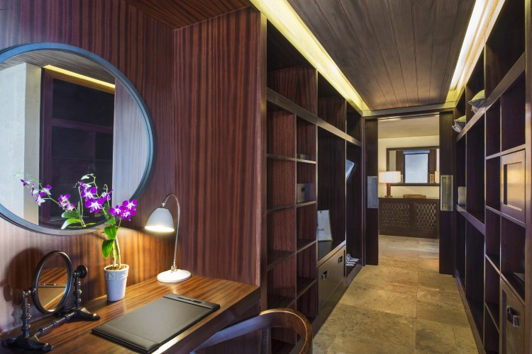 St Regis Mauritius - The St Regis Villa - Walk In Wardrobe