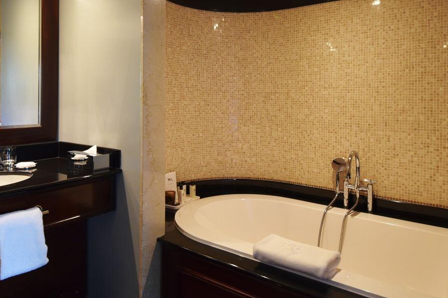La Reserve Geneva - Bathroom