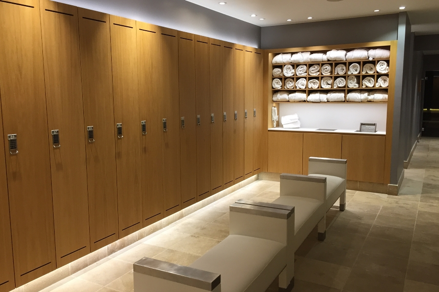 La Reserve Geneva - Nescens spa locker rooms